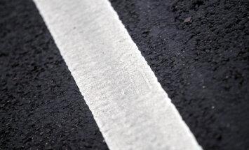 Uz Latvijas ceļiem turpinās būvdarbi; iespējami ierobežojumi