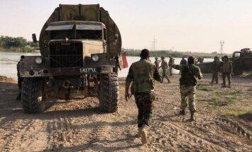 Sīrijas armijas un kurdu sadursme Deir ez Zorā draud kļūt asiņaina