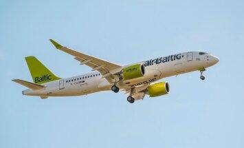 Video: Kā Rīgā nolaidās septītā jaunā 'Bombardier' lidmašīna