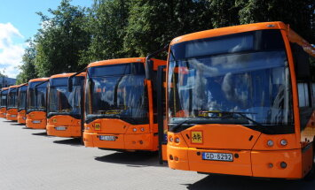 ФОТО: Rīgas satiksme передаст рижским школам 15 автобусов