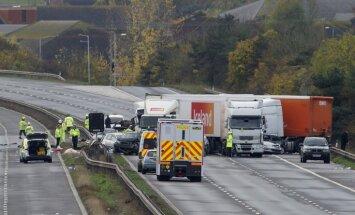 Palielinās ārvalstīs izraisīto avāriju skaits ar Latvijā reģistrētiem auto