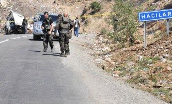 Kurdu separātisti sola 8.maijā sākt kaujinieku izvešanu no Turcijas