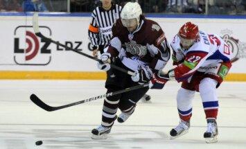 Rīgas 'Dinamo' uzņem Miķeli Rēdlihu un 'Lokomotiv'