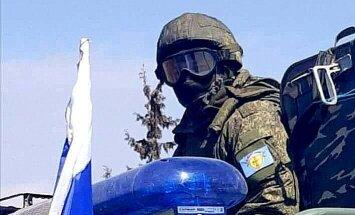 Foto: Krievijas un ASV specvienības Sīrijā veido buferzonu starp turkiem un kurdiem