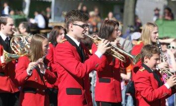 Valsts svētku pasākumi Rīgā pulcējuši ap 120 000 apmeklētāju