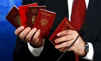 Plāni Krievijas pases dalīt agrākās impērijas iedzīvotājiem apdraud kaimiņvalstis
