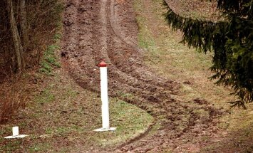 Žogā uz Latvijas robežas ar Krieviju ik pēc kilometra būs 100 metru caurums, vēsta TV3