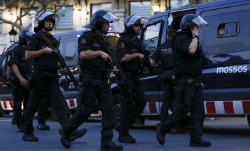 Официальные лица Латвии осудили теракт в Барселоне