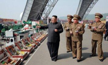 Tramps pēc raķetes izmēģinājuma aicina pastiprināt sankcijas pret Ziemeļkoreju