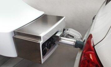 Amerikāņi izstrādājuši absolūti robotizētu degvielas uzpildes staciju