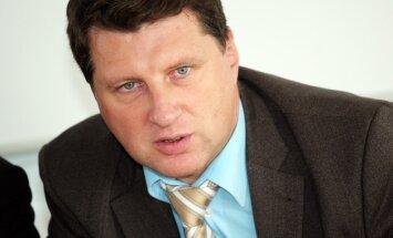 Krievija cenšas traucēt Ukrainas parlamenta vēlēšanu norisi, uzskata Vējonis