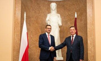 Foto: Ministru prezidents ar Polijas premjeru apspriež drošību Baltijas reģionā