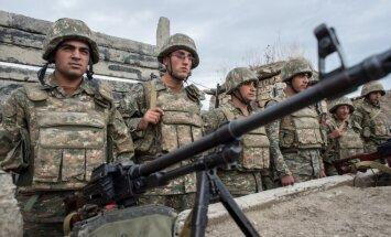 В Карабахе идут ожесточенные бои, Путин призвал прекратить огонь
