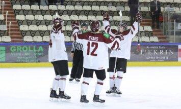 Latvijas U-20 hokejisti pasaules čempionāta mačā droši uzvar pastarīti Austriju