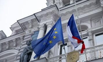 NA ar Francijas vēstnieku pārrunās Latvijas autopārvadātāju drošību Kalē