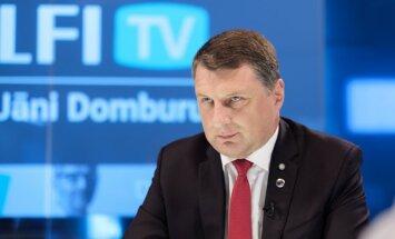 Delfi TV с Янисом Домбурсом: сегодня в студии президент Латвии Раймонд Вейонис