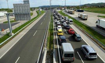 Šengena nocietinās pret džihādistiem: uz Slovēnijas-Horvātijas robežas jāstāv stundas