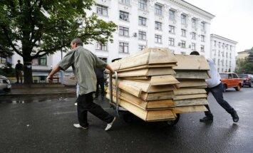 Ezerā Slovjanskā atrasti simtiem separātistu līķu