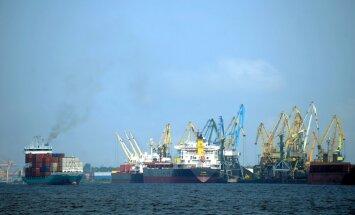 Rīgas ostā aiztur divus ārzemniekus ar Norvēģijā zagtu auto