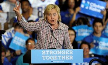 Aptauja: Klintone apsteidz Trampu par astoņiem procentpunktiem