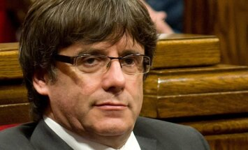 Neskatoties uz aizturēšanas ordera atsaukšanu, Pudždemons 'pagaidām' paliks Beļģijā