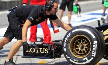 Eklstouns apmaksājis atalgojumu 'Lotus' F-1 komandas darbiniekiem