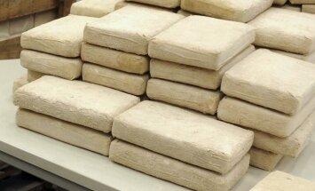 Ceļā uz ASV pārtverti divi kuteri ar kokaīnu miljards dolāru vērtībā