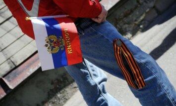 Gapoņenko ārvalstu medijiem stāsta par Latvijas armijas draudiem šaut uz krieviem