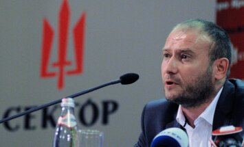Ярош назвал неконституционным новый мирный план по Донбассу