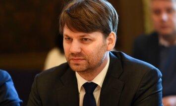 Pēc Putniņa iniciatīvas Saeimā vērtēs astoņu miljonu eiro pārdales pamatotību VM budžetā