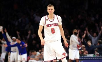 'Knicks' pagarina līgumu ar Porziņģi arī uz aiznākamo sezonu