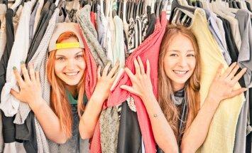 Молодые люди в Латвии при покупке одежды и косметики больше всего доверяют советам блогеров