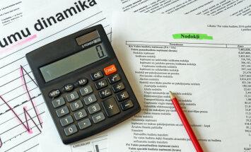 Nodokļu reforma jūtami palielinās budžeta deficītu, brīdina Dombrovskis