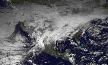 Nāvējoša vētra plosās ASV centrālajā un dienvidu daļā