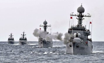 Dienvidkoreja sarīko flotes mācības