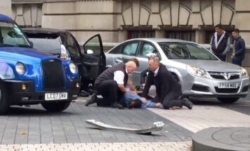 Autoavārijā pie muzeja Londonā ievainoti 11 cilvēki