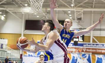 Latvijas U-20 basketbolisti uzvar zviedrus un iekļūst Eiropas čempionāta ceturtdaļfinālā