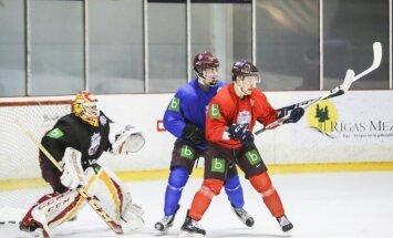 Foto: Latvijas hokeja izlase gatavojas 'Euro Ice Hockey Challenge' turnīram Dānijā