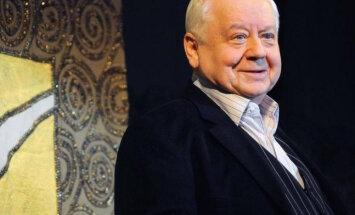 Олег Табаков: защищаю коллег от мракобесия и черносотенства