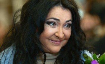 """Меня не унизить – плохо гнется позвоночник! Лолита о санкциях, """"Евровидении"""" и любви к Украине"""