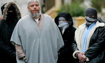 Radikālajam islāmistu sludinātājam Abu Hamzam ASV piespriež mūža ieslodzījumu