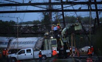 Filadelfijā avarējušajam vilcienam, iespējams, trāpījis šāvinš