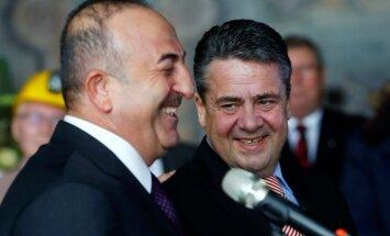 Vācija un Turcija sola uzlabot savstarpējās attiecības