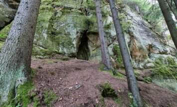 Viens no Latvijas apslēptajiem dabas brīnumiem – Līču Laņģu klintis