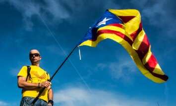 Lielās bankas brīdina, ka varētu aiziet no Katalonijas, ja tā atdalītos no Spānijas