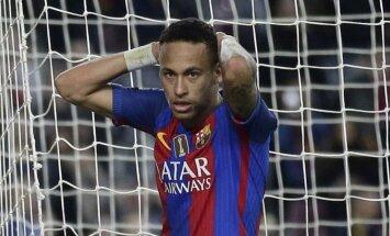 Pasaules futbola zvaigznes piemin traģiski bojā gājušos 'Chapecoense' spēlētājus
