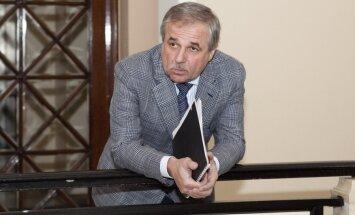 Zaharjins un Segals atdod savas 'Metalurga' akcijas 'Daļpolimetal'; administrators skeptisks
