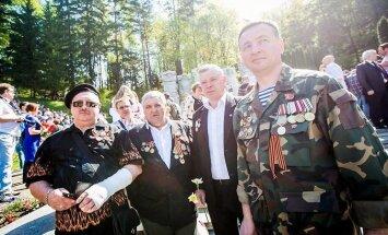 Aptauja: Vairums Lietuvas krievu un poļu aizstāvētu valsti, bet tic Kremļa propagandai