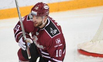 Video: Lauris Dārziņš gūst savus 100. vārtus KHL