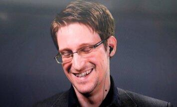 Krievija nevar izdot Snoudenu ASV, paziņo vēstnieks